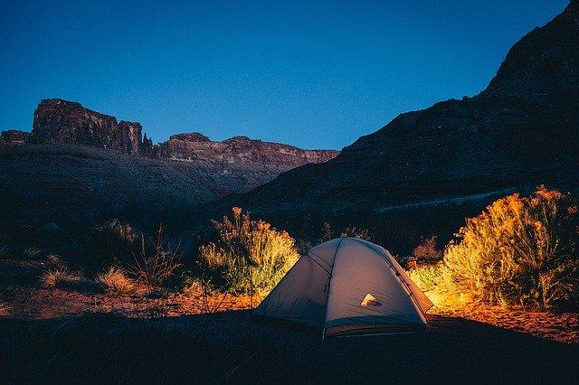 אוהל - כי כולם רוצים לישון בשטח בכיף